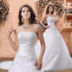 robe mariee bustier avec traine blanc