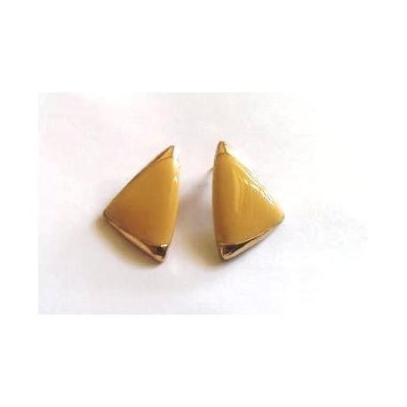 Boucle plate triangle doré laque beige